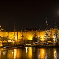 L'Etoile du Roy et l'Hermione sous le fort de Brest